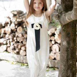 Mono largo blanco o plumeti negro